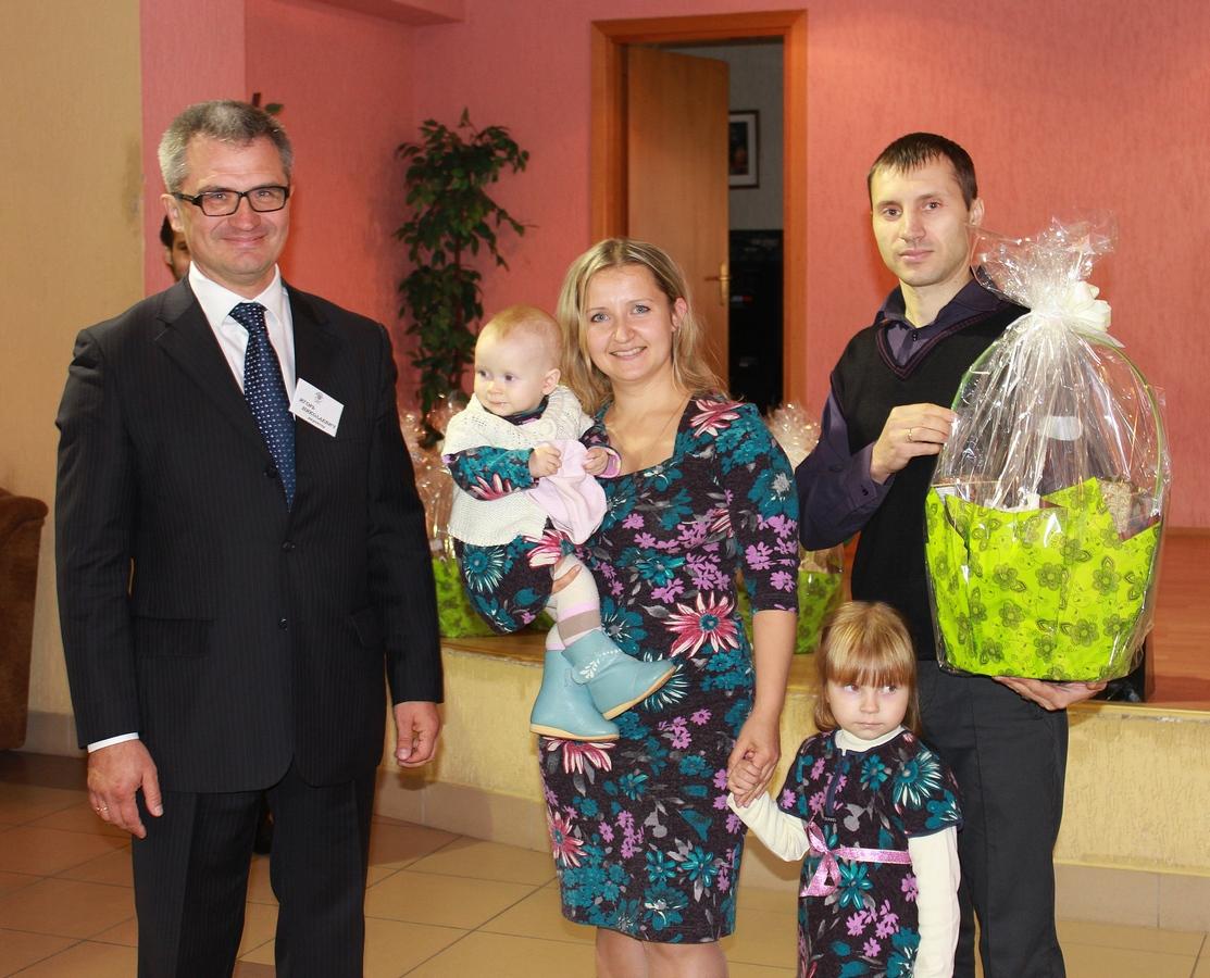 Игорь Уфимцев и Ольга Рядченко с семьей