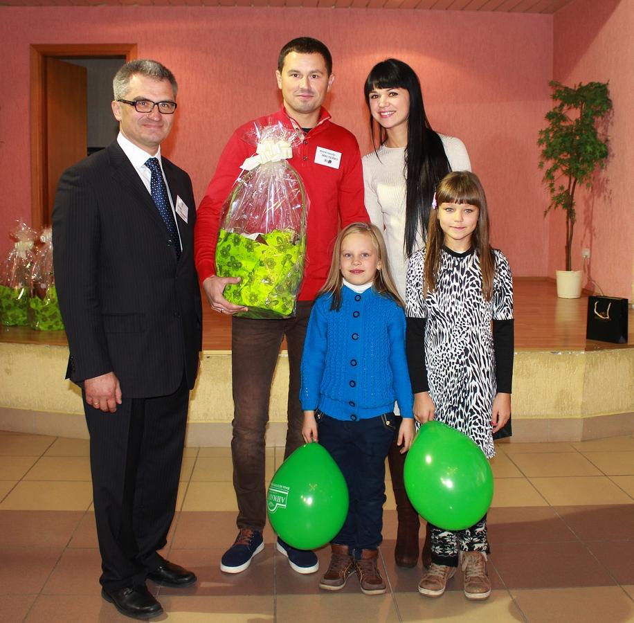 Игорь Уфимцев и Александр Мистейко с семьей из г.Солигорска