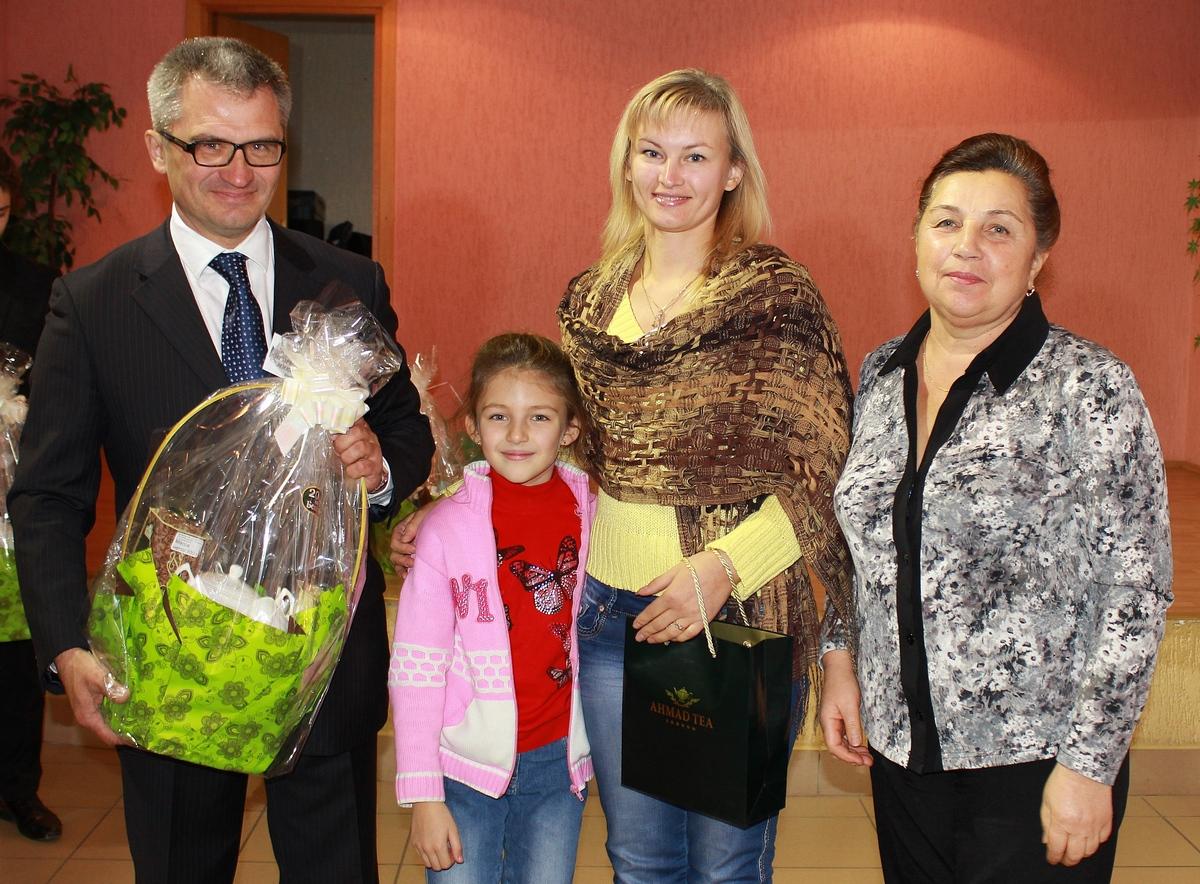 Игорь Уфимцев и Ольга Лосик с семьей